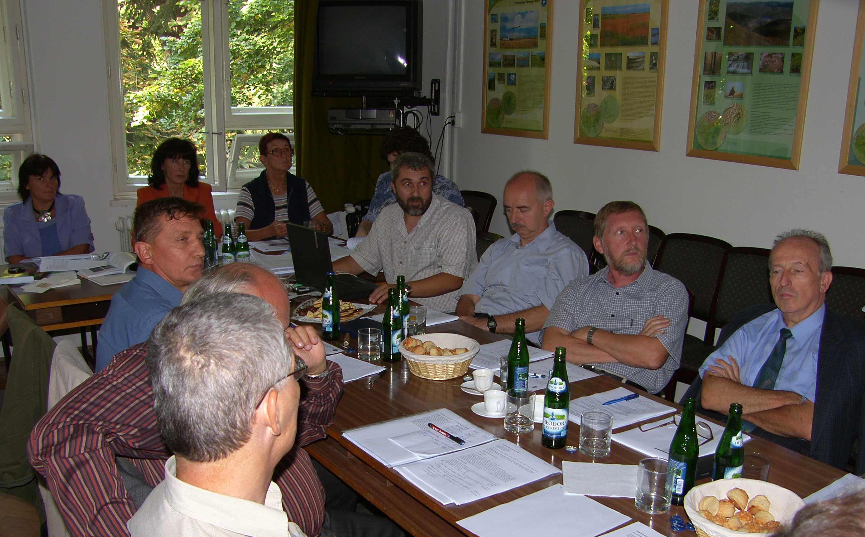 ülésezik a SzT 2006